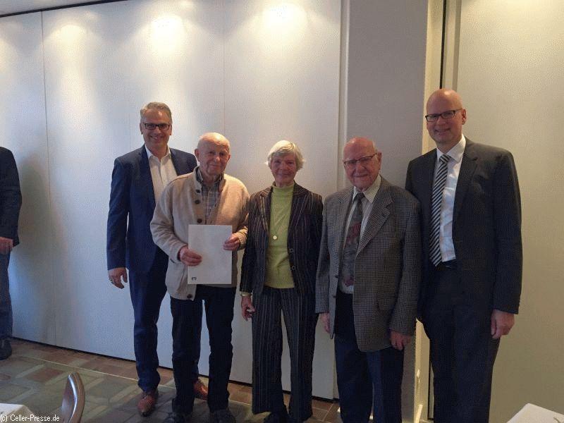 50 Jahre Anteilseigner: Volksbank Celle ehrt langjährige Mitglieder