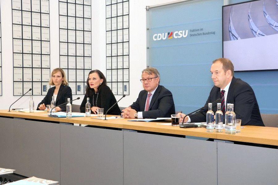 CDU/CSU-Bundestagsfraktion verabschiedet Positionspapier zu Wölfen in Deutschland