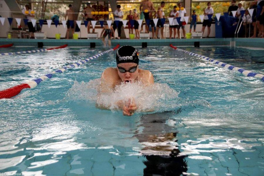 Erfolgreiche Schwimmerinnen und Schwimmer aus Celle, Nienhagen und Wietze