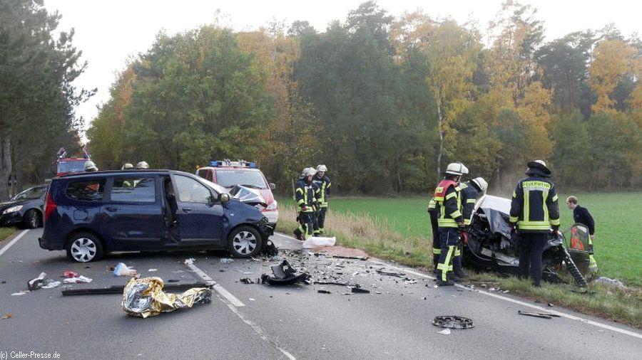 Schwerer Verkehrsunfall im Begegnungsverkehr