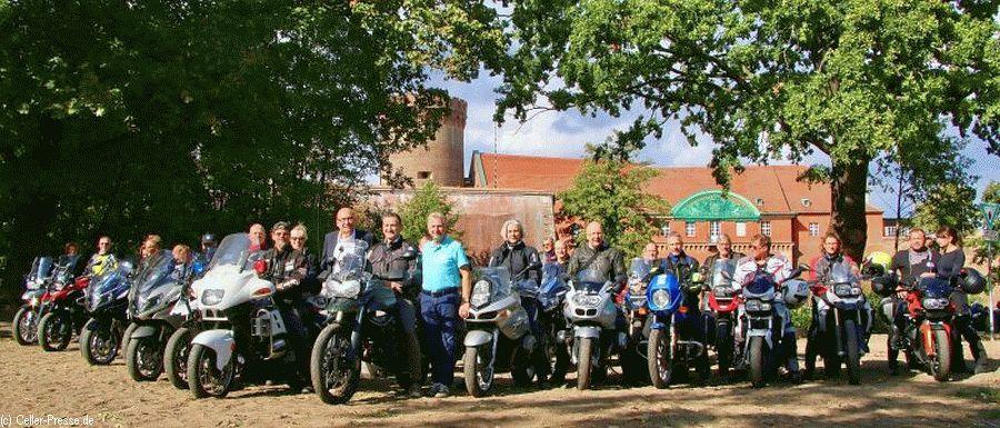 Spandauer und Faßberger Motorradfreu(n)de gemeinsam on- und offroad
