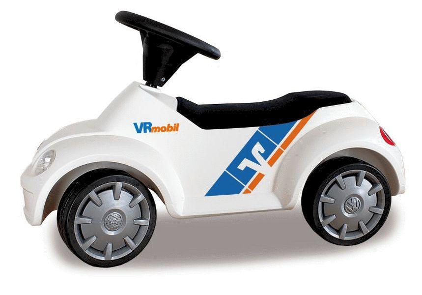 Volksbank verschenkt 135 VR-Mobil Juniorcars an Kindergärten und schreibt erneut VR-Mobil Kinderbusse aus.