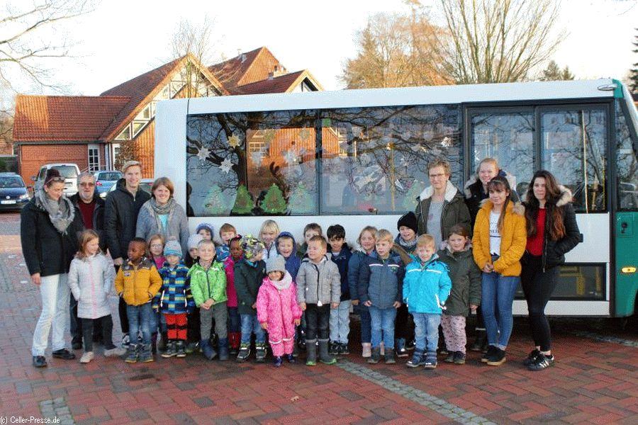 Bürgerbus mit Weihnachtsschmuck