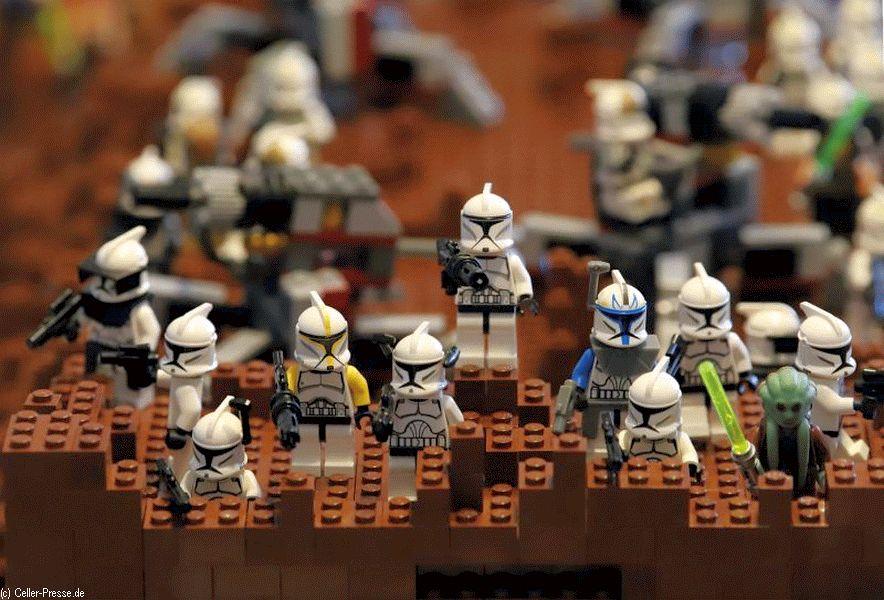 Erste öffentliche Führung: Raumschiffwelten aus LEGO® Bausteinen – Stein auf Stein aus der Sammlung Lange