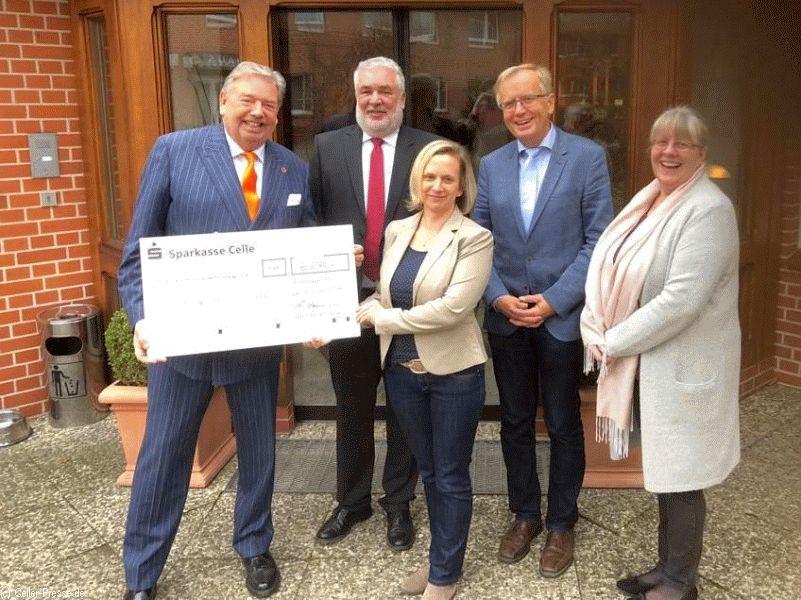 Gastronomen aus Celle Stadt und Land spendeten 6.670 EURO für das Onkologische Forum