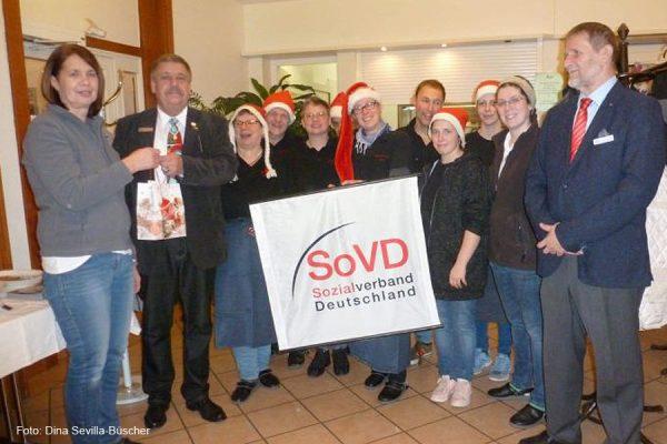 v.l.n.r.  1. Vorsitzender SoVD-Kreisverband Celle/ Vorsitzender SoVD-Ortsverband Wietzenbruch Achim Spitzlei, Team Allertal- Café , Schatzmeister SoVD Ortsverband Wietzenbruch Horst Iwastschenko