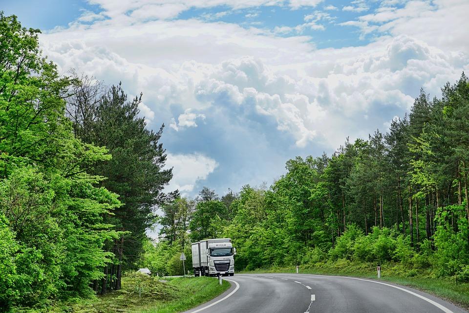 Neuer Lkw für den Landkreis Celle: Fahrzeug mit drei Achsen kann Streueinsatz ohne Verzögerung fahren