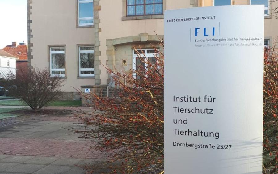 MdB Thomas Ehrhorn besucht Friedrich-Löffler-Institut