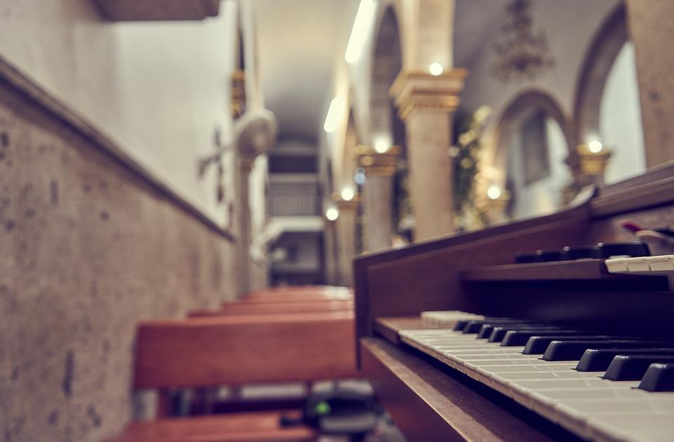 Konzert des Volkschores Thalia zur Advents- und Weihnachtszeit in der St. Hedwig Kirche in Celle