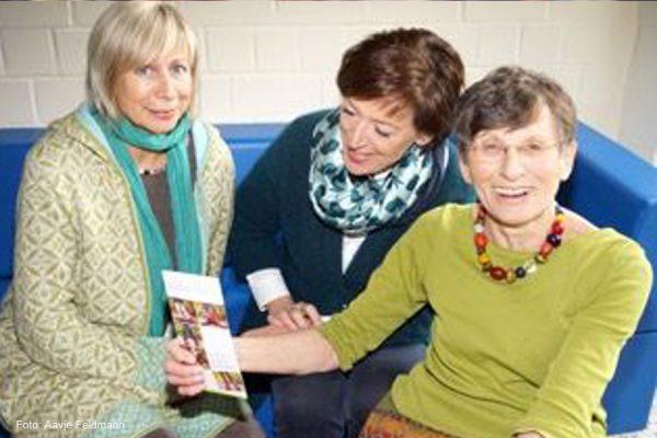 Grit Wuttke, Karin Lohöfener und Barbara Schubert (von links) stellen das Fortbildungskon-zept vor