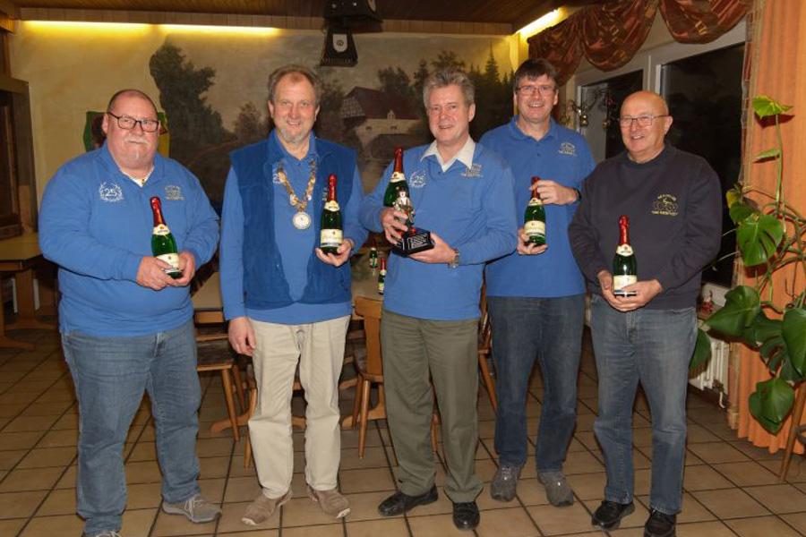 Olaf Kopplin gewinnt traditionellen Champagnerpokal