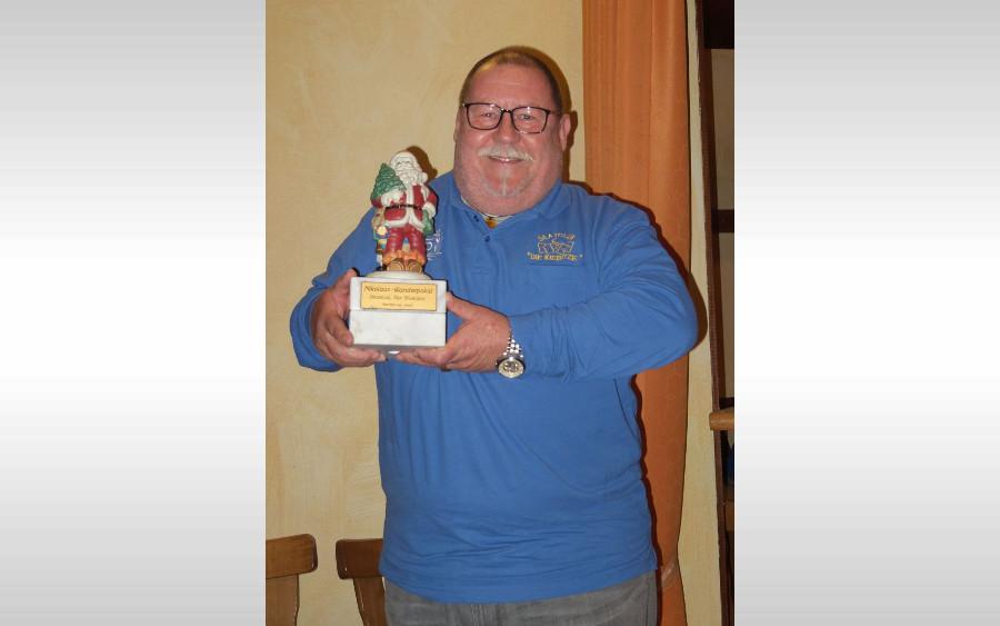 Skat: Burkhard Balkenhol gewinnt zum zweiten Mal den Nikolauswanderpokal