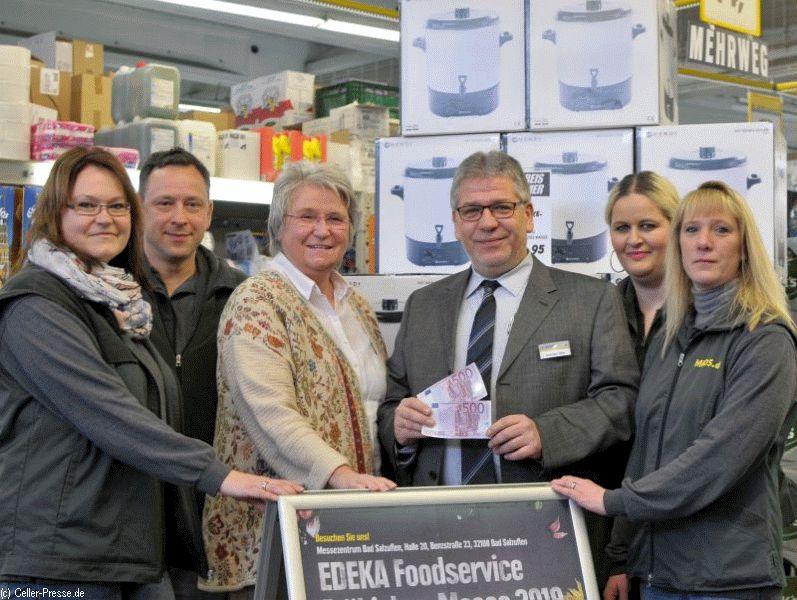 EDEKA Foodservice Celle übergibt 1.000 Euro an Hospiz-Haus Celle