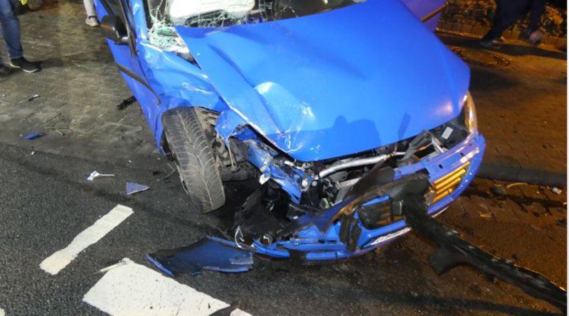 Verkehrsunfall mit einer schwer und vier leichtverletzten Personen