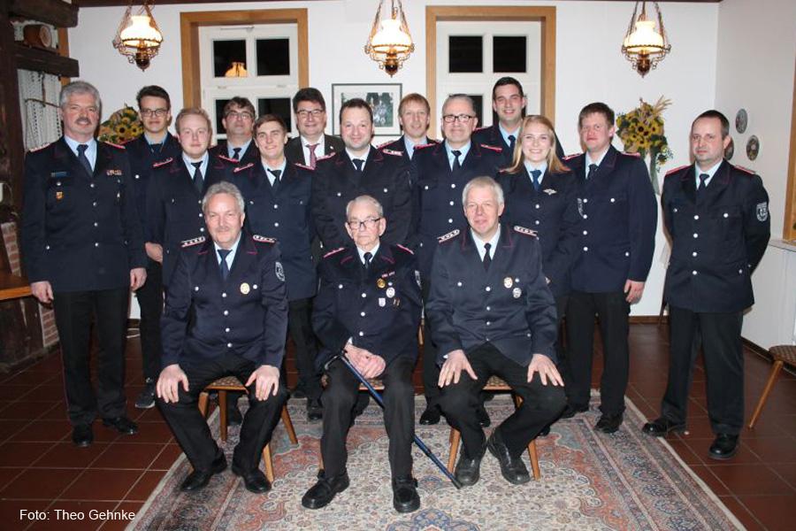 Jahreshauptversammlung der Ortsfeuerwehr Eversen 2019: Alex Liebert für 60 Jahre Feuerwehrdienst geehrt
