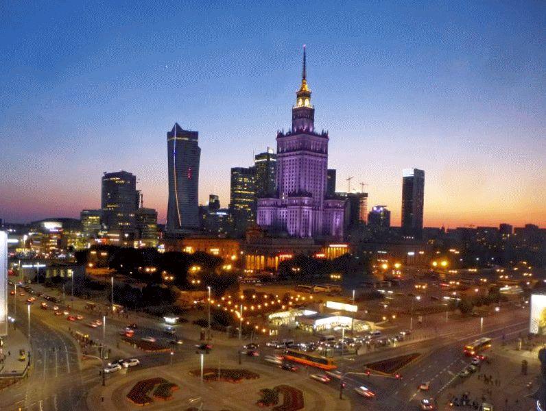 Lodz und Warschau – Impressionen in 3-D – Neue Serie von Ilse Paul im Kanzleicafé