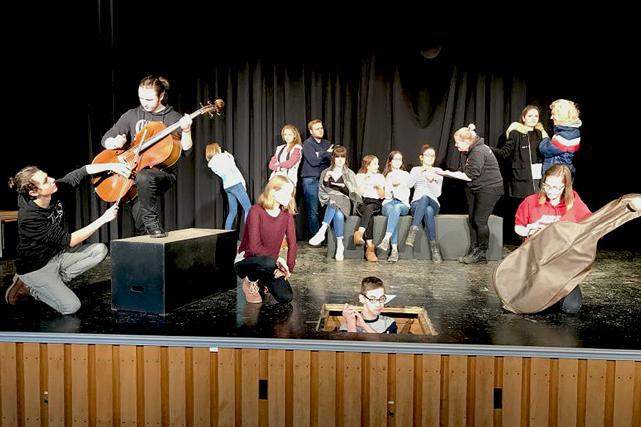 """""""The Ladykillers"""": Englisches Theater am Christian-Gymnasium"""