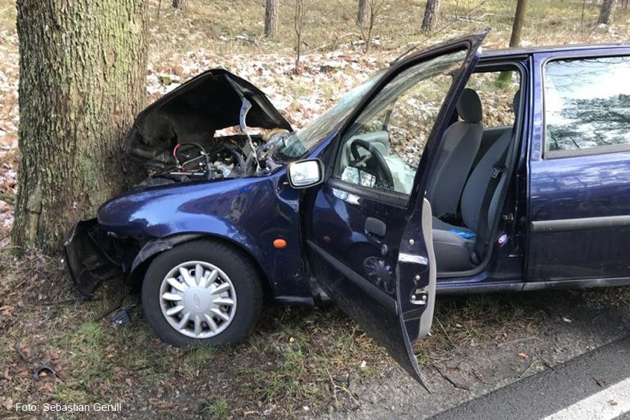 Verkehrsunfall auf B214 zwischen Hambühren und Celle