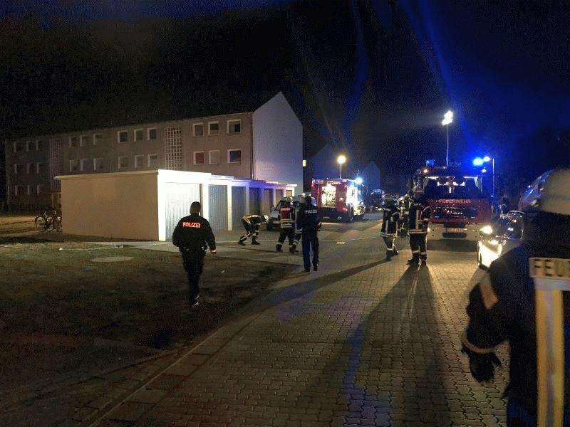 Zimmerbrand in Mehrfamilienhaus – Mehrere Personen gerettet