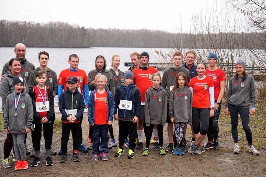 Adelheidsdorfer Lauf-AG erzielt gute Leistungen beim Lauf um den Altwarmbüchener See