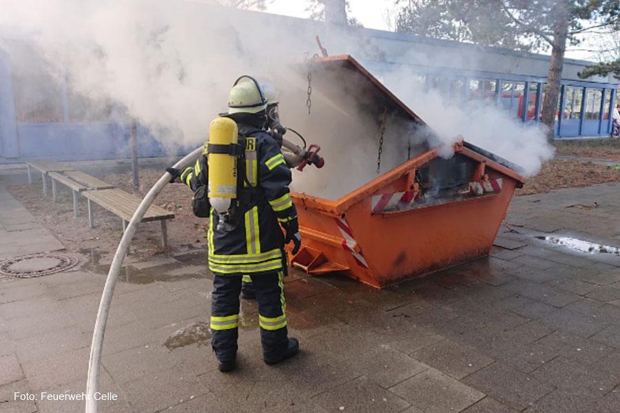 Containerbrand in der Burgstraße