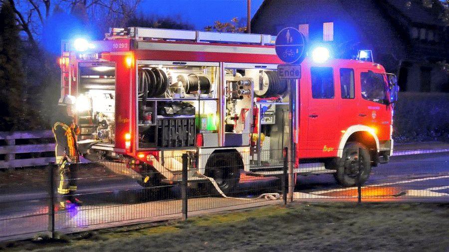 Eine Person aus verrauchter Wohnung gerettet – Rauchmelder alarmiert Helfer!