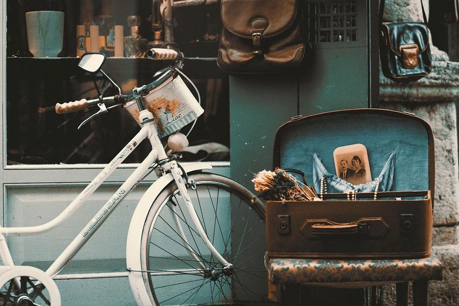 Fahrradwerkstatt vor der Alten Molkerei