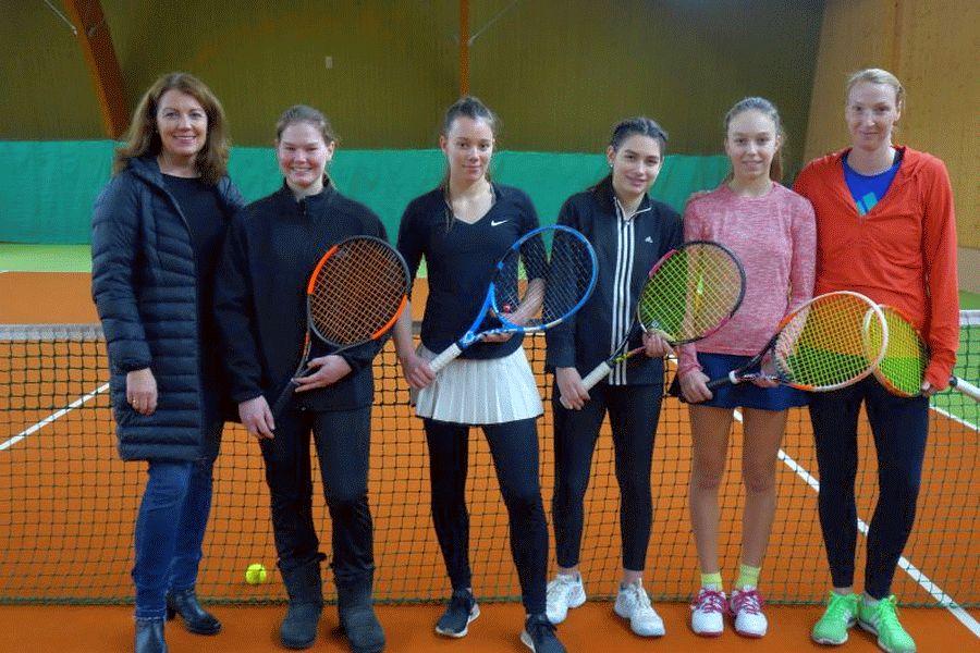 Jubel bei den Westerceller Tennisdamen: Zwei Aufstiege bei den Damen in die Landesliga und Oberliga, das ist kaum zu toppen!
