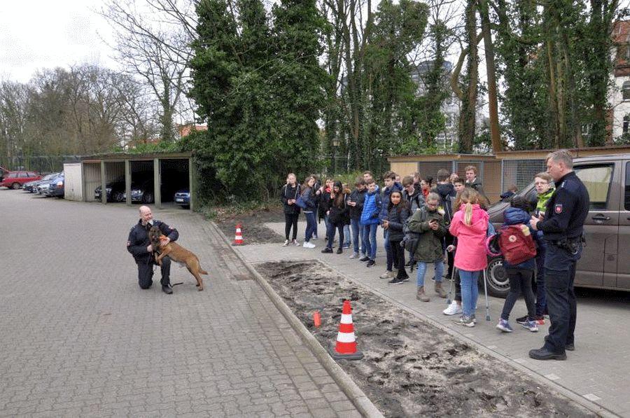 Polizei hautnah – 63 Kinder beim Zukunftstag bei der Polizeiinspektion Celle