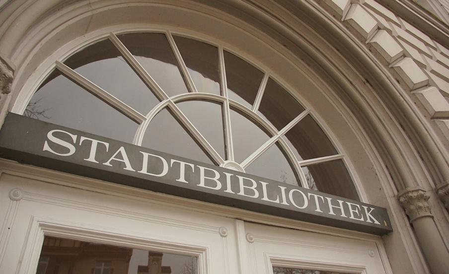 Der Herbst ist da! – Stadtbibliothek startet Vorlesesaison