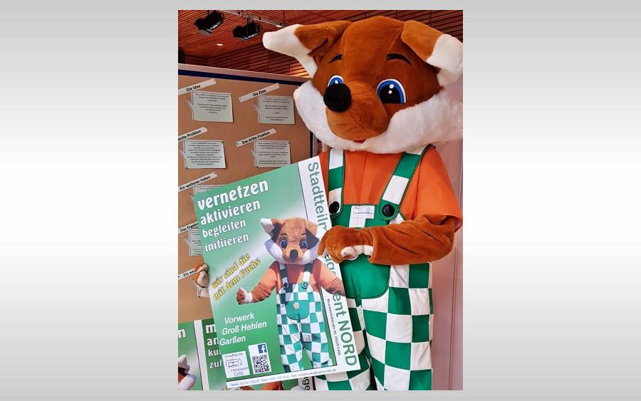 Stadtteilfuchs Foxie auf der Praxismesse in Hannover