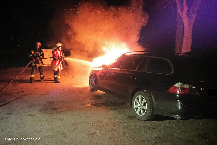 Zwei Pkw-Brände am Samstag