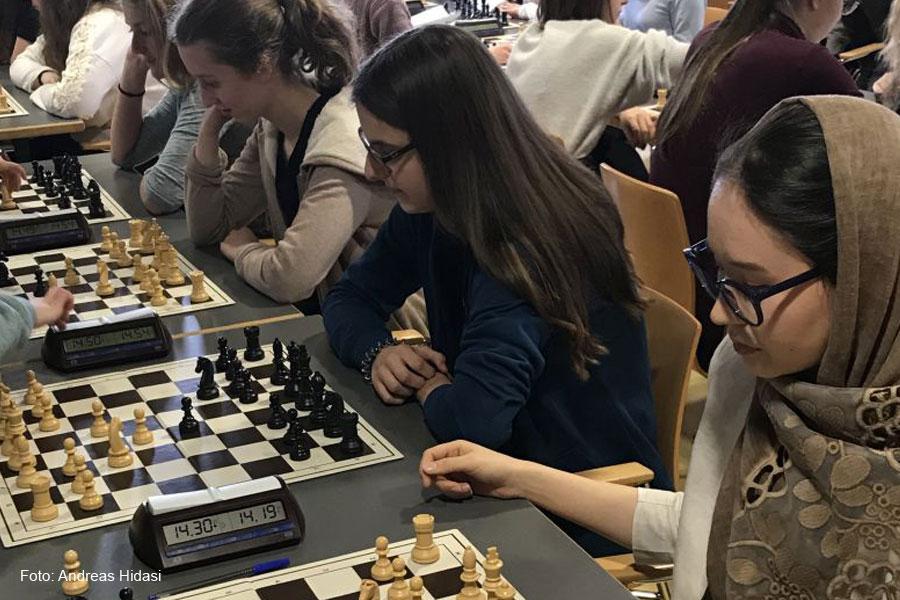Achtungserfolg für Schach-Mädchen des Hölty-Gymnasiums