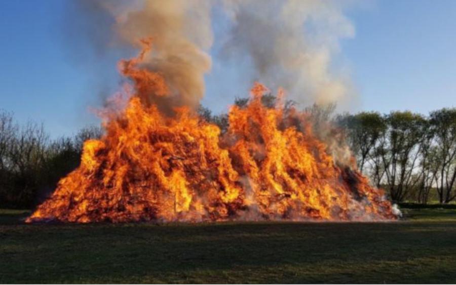 Die Ortsfeuerwehr Großmoor lud zum traditionellen Osterfeuer ein