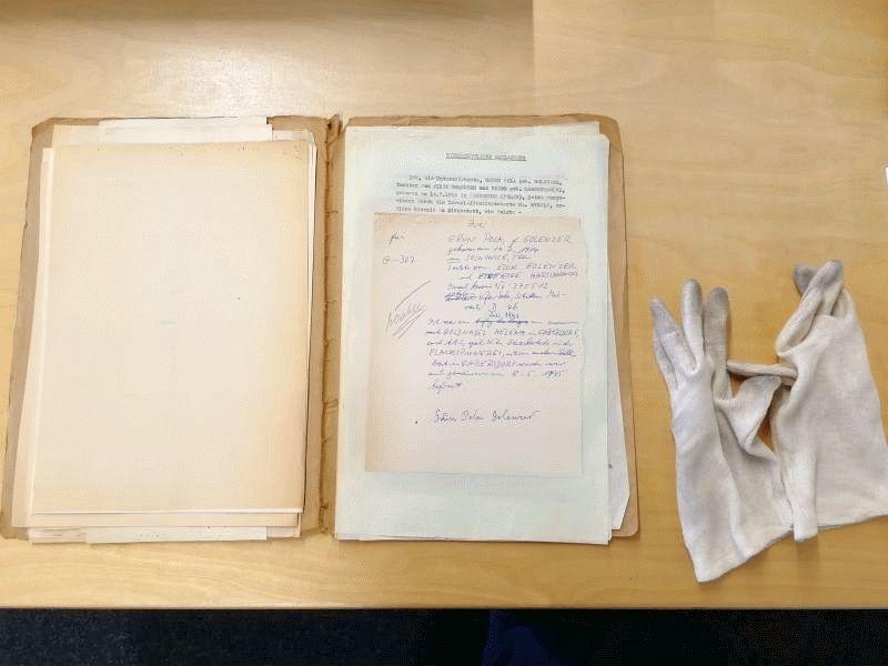 Dokumentation gegen das Vergessen: Zentrum für Arbeit und Beratung Celle (ZAC) digitalisiert Akten zur Geschichte des KZ Bergen-Belsen