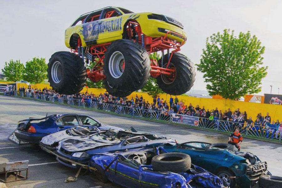 Dynamit auf Rädern – Monster-Trucks kommen nach Celle