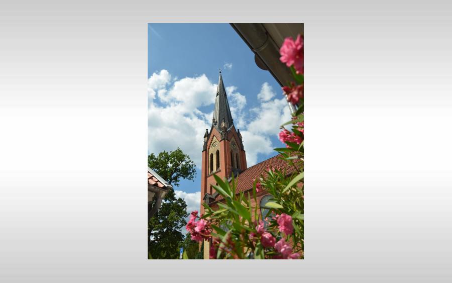Frühgottesdienst in der Neuenhäuser Kirche und anschließend Fair-Trade-Frühstück