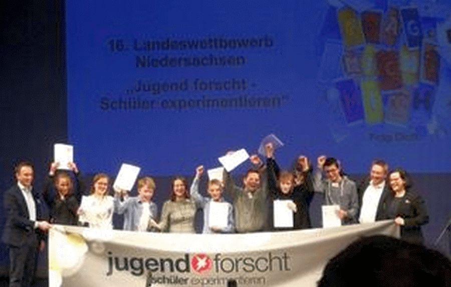 """Landessieger """"Jugend forscht – Schüler experimentieren"""" vom Gymnasium Ernestinum"""