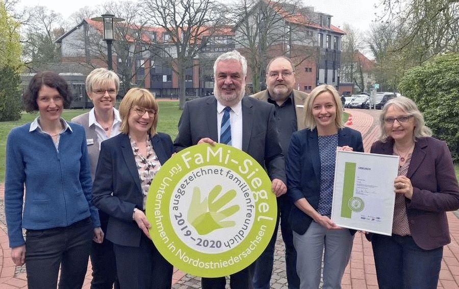Landkreis erneut mit FaMi-Siegel ausgezeichnet – Bewertungskommission lobt gute Vereinbarkeit von Familie und Beruf