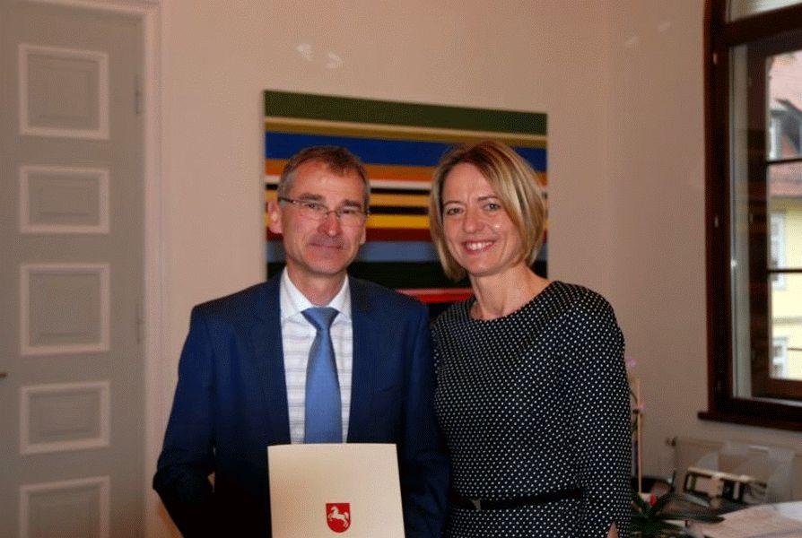 Neuer Vorsitzender Richter am Oberlandesgericht – Bernd-Peter Knafla übernimmt den für Banksachen zuständigen 3. Zivilsenat