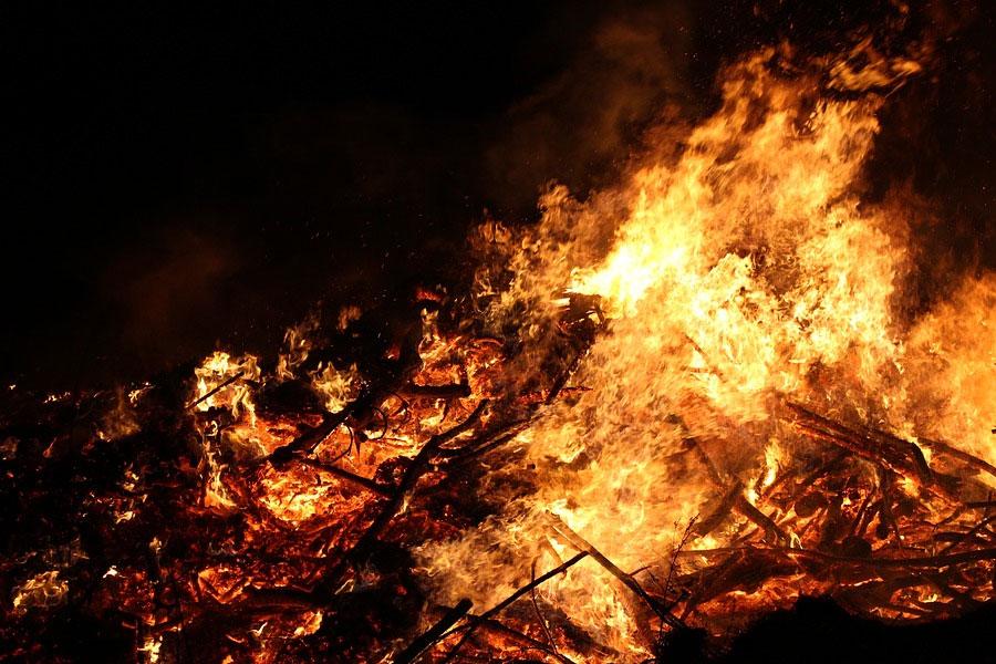 Osterfeuer im Celler Stadtgebiet