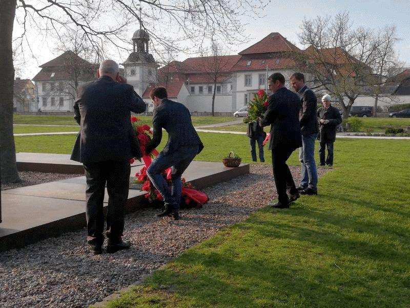 SPD-Ortsverein erinnerte an die Opfer des Massakers vom 8. April 1945