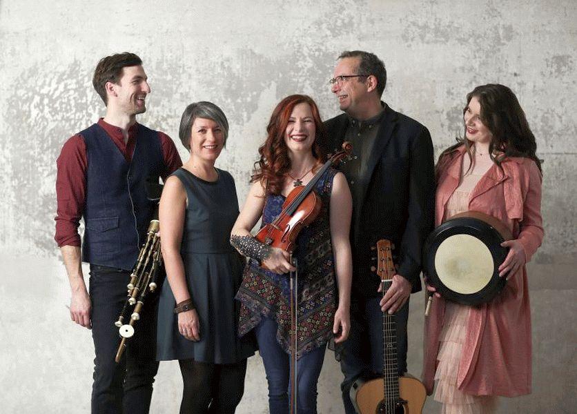 Celtic Folk bei Kultur querbeet: CARA – Ein ganzes Folk-Festival in einer Band