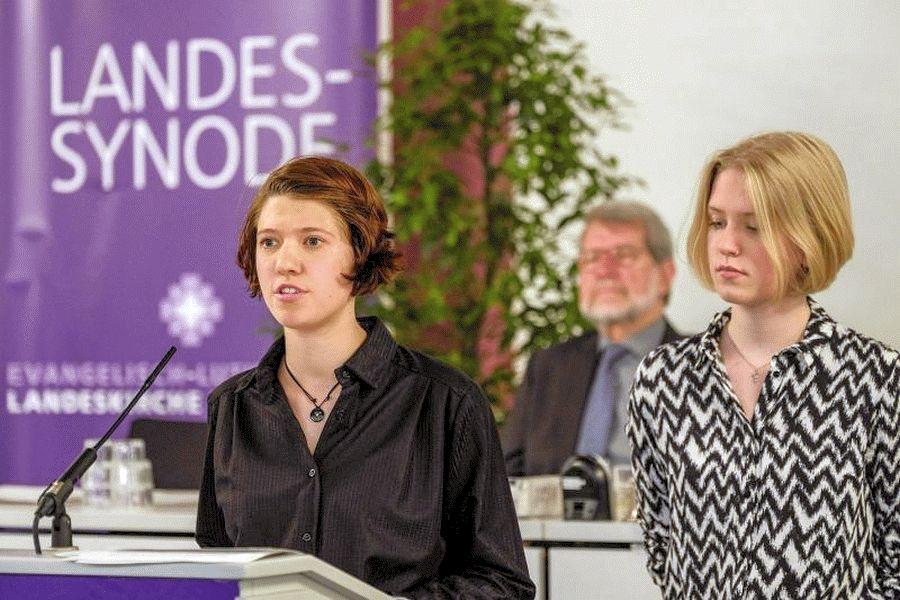 Fridays-for-Future Aktivistin aus Nienhagen spricht vor der Synode der Hannoverschen Landeskirche