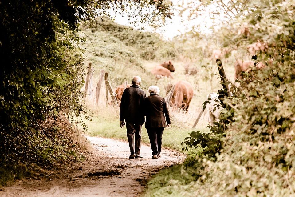 Wie knüpfe ich Kontakte? Speed Dating für Ältere