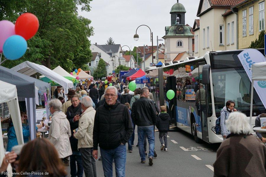 """Stadtteilfest Neuenhäusen zum Jubiläum """"150 Jahre – 150 Aktionen"""" – Buntes Treiben auf der Trift"""