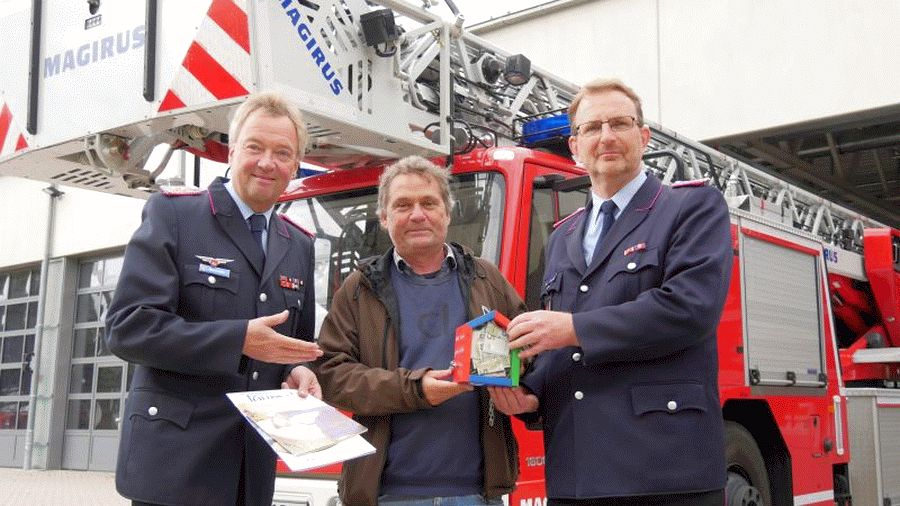 Wenn es brennt aber die Feuerwehr nicht helfen kann – Celler Feuerwehr spendet für Onkologisches Forum Celle e.V.