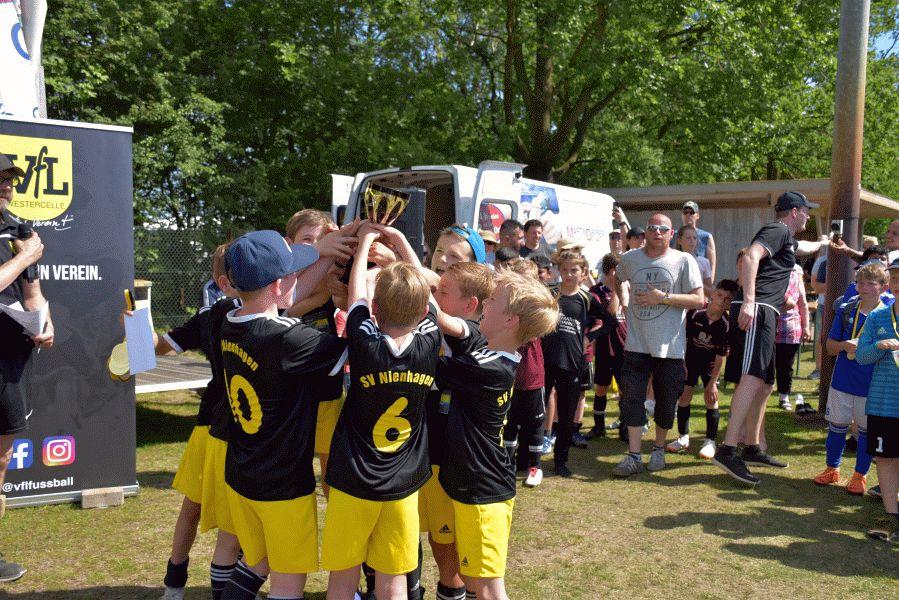 Enge Partien und Traumwetter lassen Niedersachsencup aufblühen