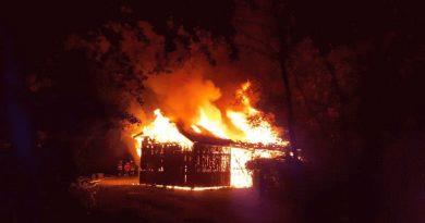 Feuer am Vereinsheim der Paddelvereinigung