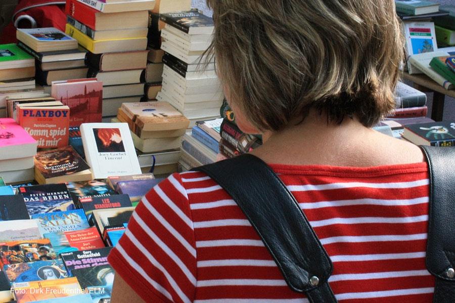 Bücher und mehr beim Flohmarkt im Heilpflanzengarten